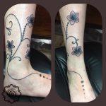 flower tattoo, hand poking, suku suku tatau